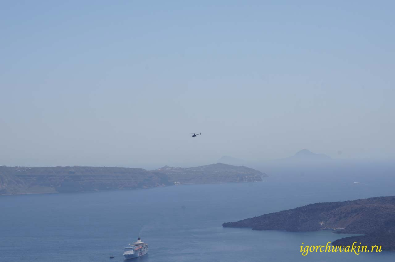 Дымка над островом Санторини. фото Игоря Чувакина