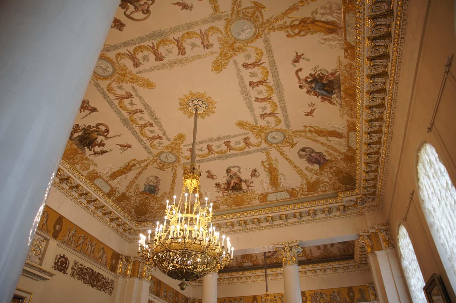 Русский музей, роскошь