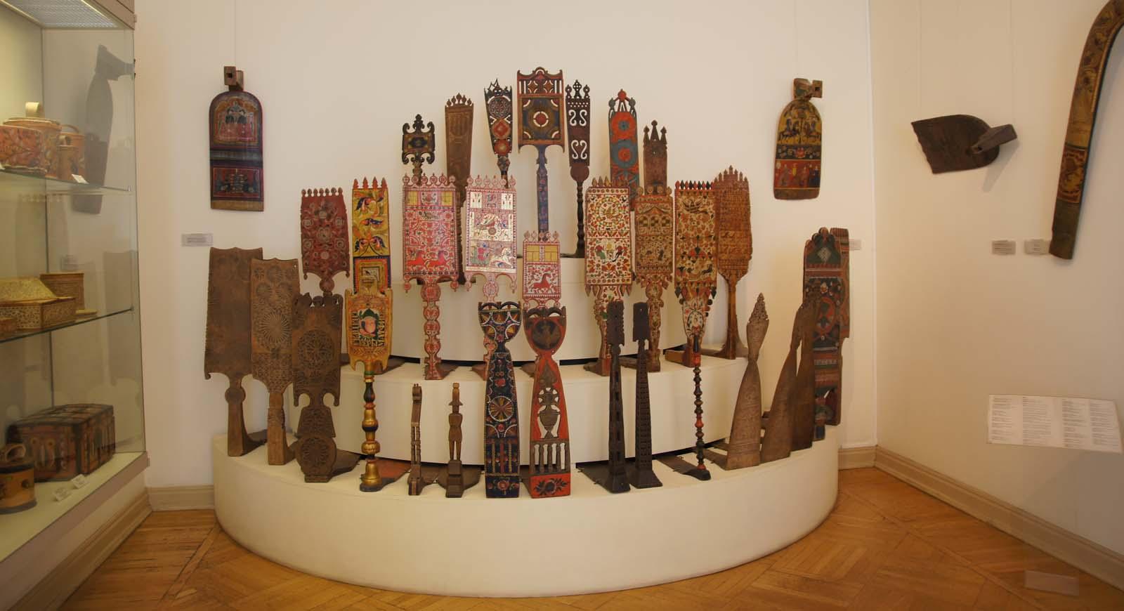 Русский музей, прялки
