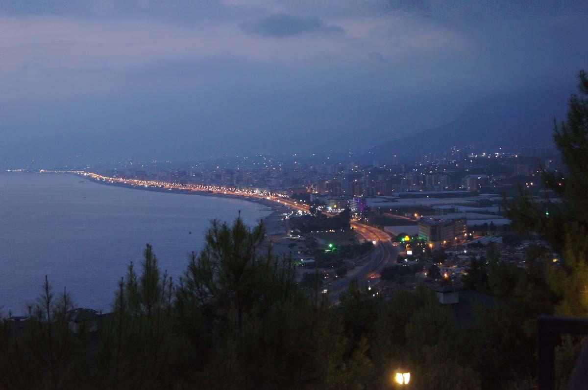 Дорога слева. Отель Utopia World Турция.