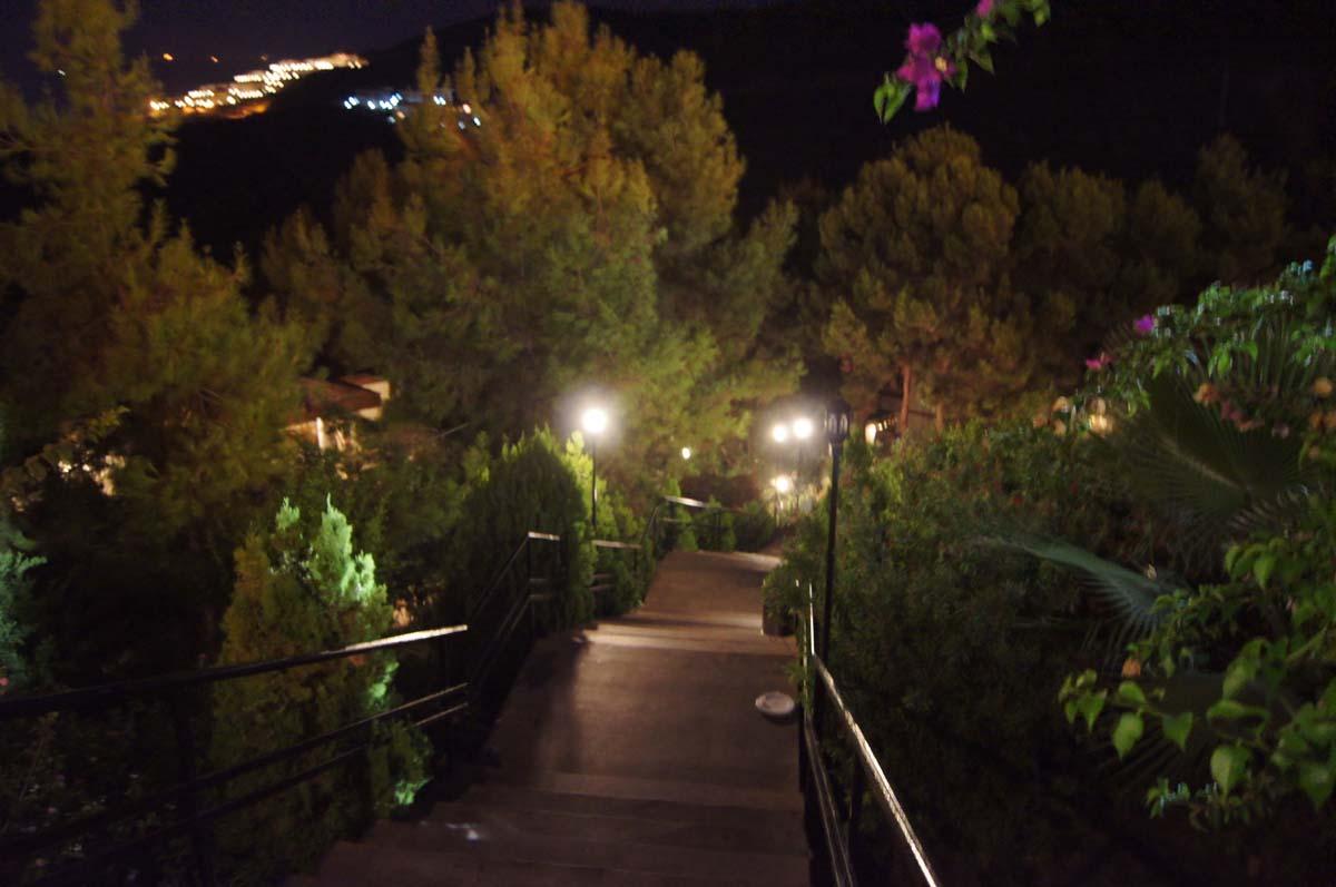Спуск вниз. Отель Utopia World Турция.