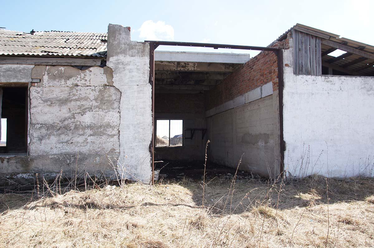 Гараж. Колхозные постройки. Заброшка СССР.