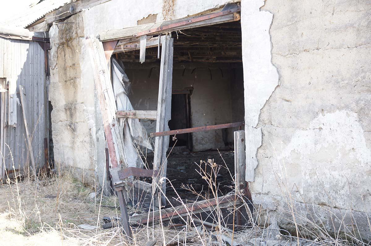 Запасной выход. Колхозные постройки. Заброшка СССР.