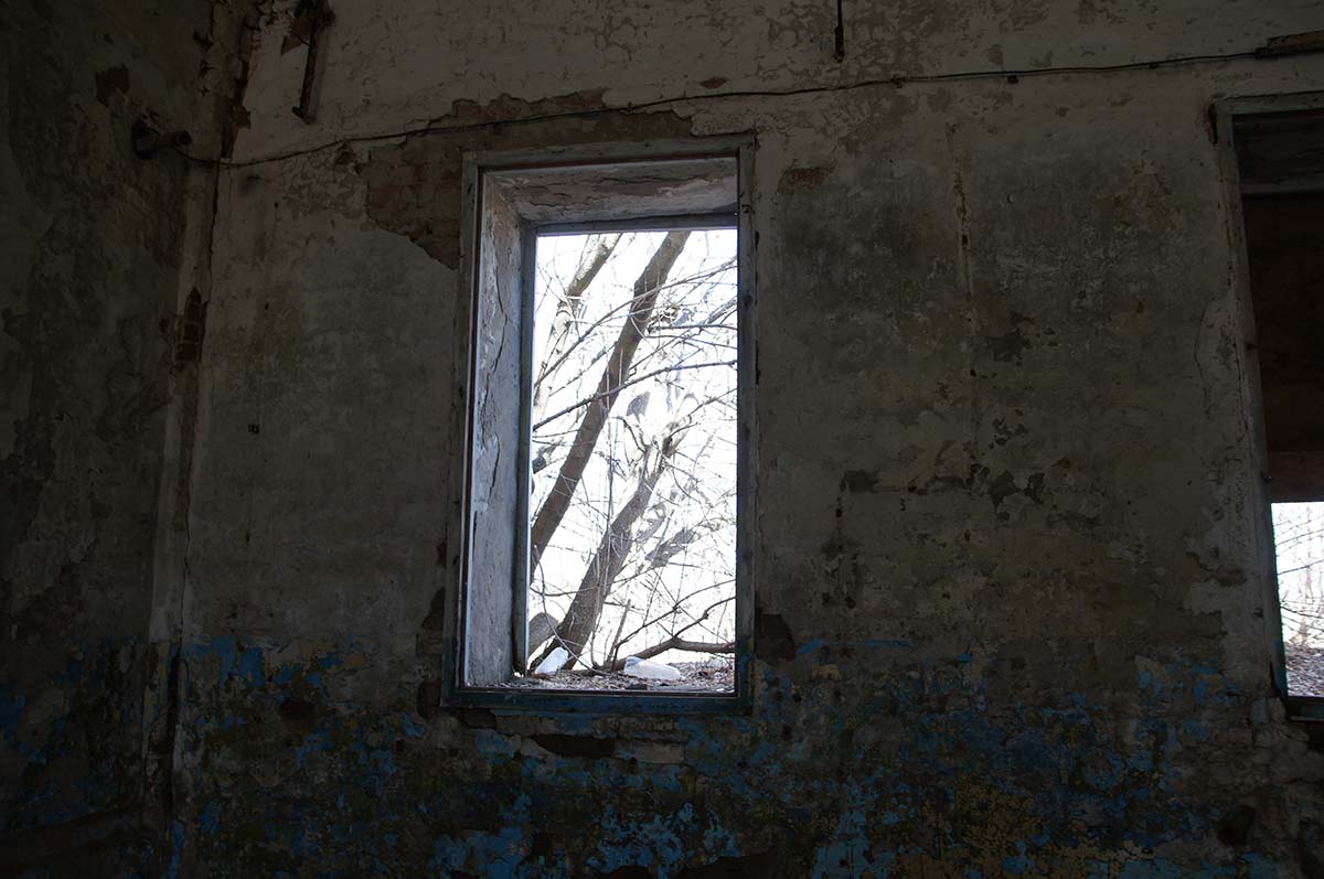 Окно, заброшка, Тюменская область