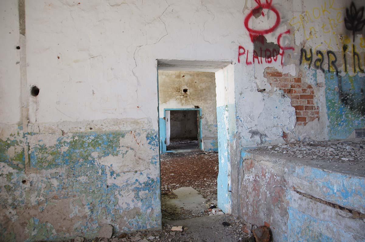 Двери, заброшка, Тюменская область