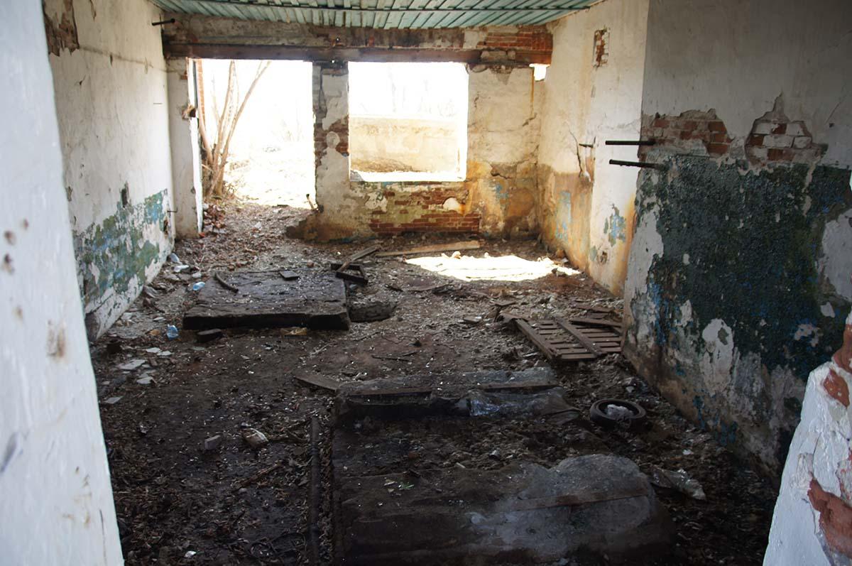Фундаменты компрессоров, заброшка, Тюменская область