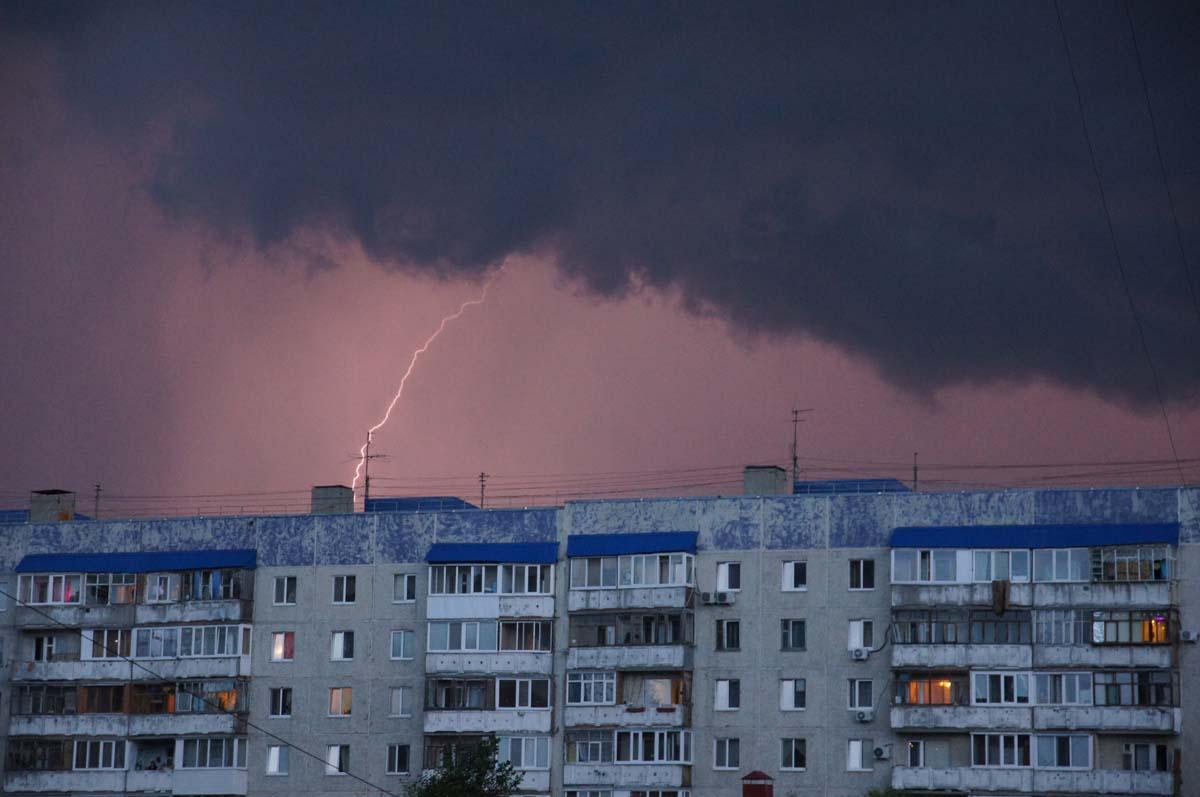 Первый залп. Фото Игоря Чувакина