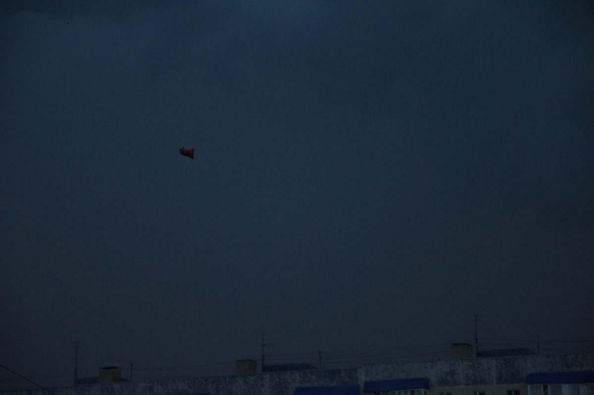 Летит мешок. Фото Игоря Чувакина