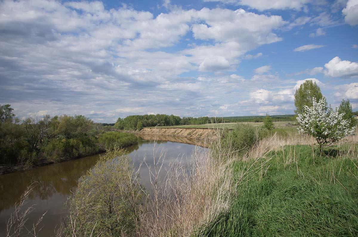 Река. Заброшка. Завод. Часть первая.