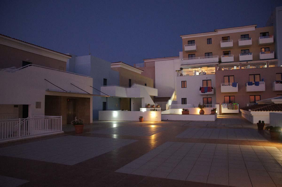 Ночной St. George изнутри. Отель St. George. Paphos.