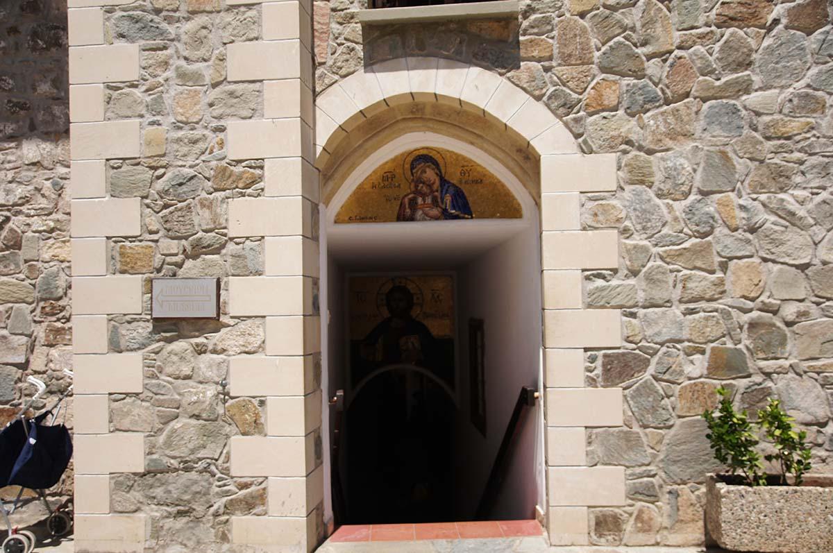 Вход в Киккос, Кипр, Киккос, Cyprus, Panagia tou Kykkou
