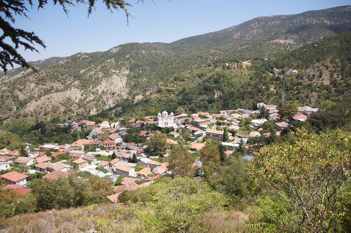 Храм и деревня, Кипр, Киккос, Cyprus, Panagia tou Kykkou
