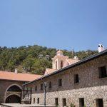 Монастырь Киккос сбоку